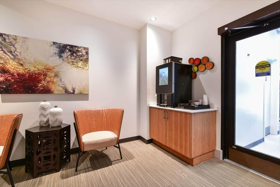 Image of Bluebird Suites in China Town
